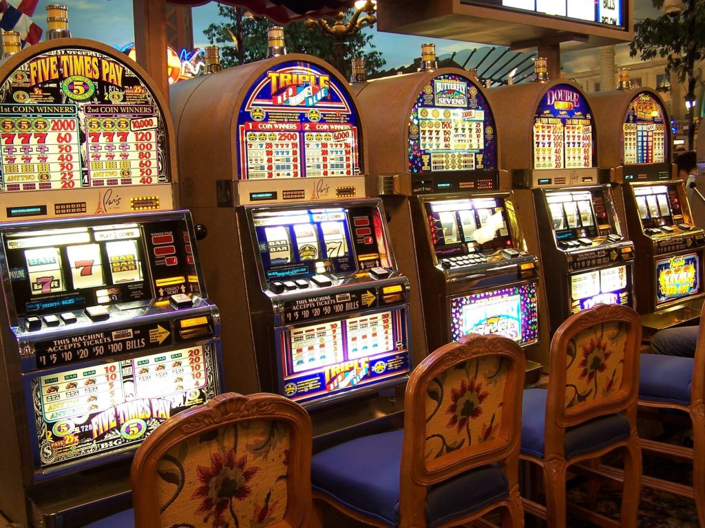 Three Ridiculous Rules About Online Casino